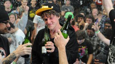 Watch_Dennis_Busenitz_Win_2011_Tampa_Pro